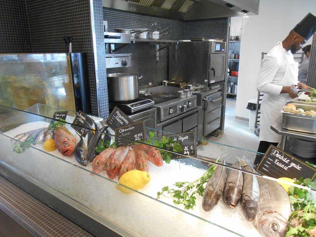 RESTAURATION-CONSEIL-Le-Printemps-du-goût---6-îlots-de-restauration-du-food-hall-du-magasin-le-Printemps-min